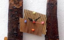 Torres - Casca de madeira, papelão, relógio, madeira