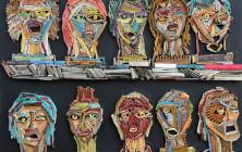 artista usa livros velhos para criar suas esculturas 7