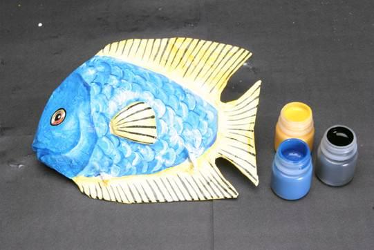 peixe colorido de papel